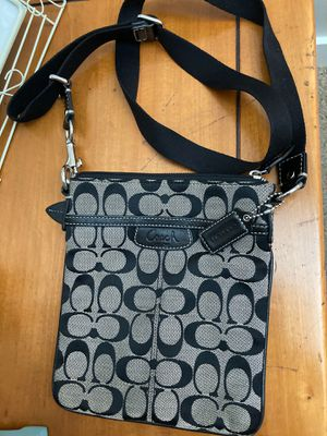 Coach messenger bag for Sale in Auburn, WA