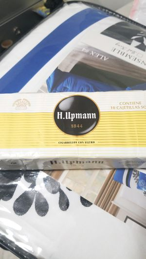 Cigarros H .Upmann for Sale in Miami Springs, FL