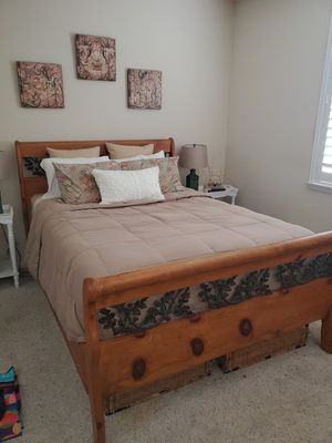 Queen Bed Set for Sale in Temecula, CA