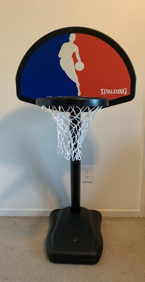 Spalding Youth basketball hoop for Sale in Fresno, CA