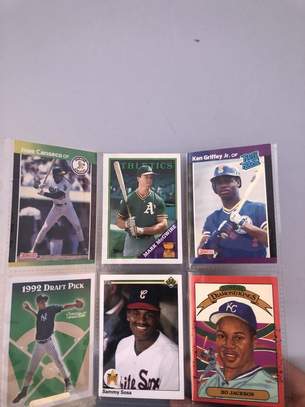 Base ball cards lot