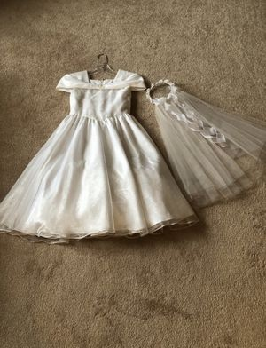 Communion/flower girl dress with veil. Size 8 for Sale in Venetia, PA