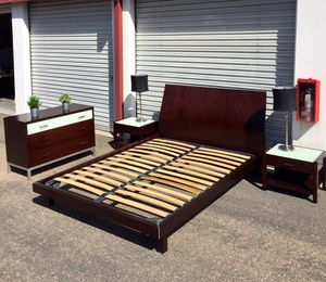 5 piece queen Bedroom set espresso wood and frosted glass for Sale in San Diego, CA
