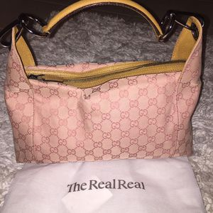 Authentic Gucci leather shoulder bag for Sale in Peoria, AZ
