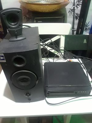 1 tweeter& 1 Speaker &1 DVD player $15.00 cash only (serious buyers) for Sale in Dallas, TX