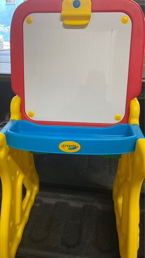 Small desk for Sale in Queens, NY