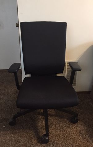 chair for Sale in Columbia, MO