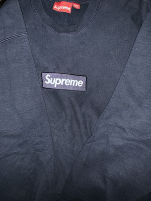 SUPREME BOX LOGO CREWNECK for Sale in Irving, TX