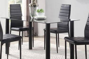 5pc Black Faux Leather Dining Set (1 Dining Table + 4 Chairs for Sale in Santa Ana,  CA