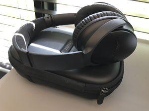 Bose Bluetooth wireless headphones quitecomfort 35 for Sale in San Diego, CA