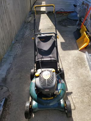 6.5hp/21 craftsman lawnmower with bagger for Sale in Woonsocket, RI