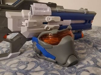 Nerf Overwatch Soldier 76 Rifle Blaster With Mask And Official Nerf Rival Overwatch Dark Blue Rounds for Sale in Los Angeles,  CA