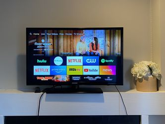 "32"" Samsung Smart TV for Sale in Centreville,  VA"