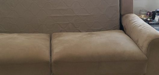 $10 Couch Need Gone!!! for Sale in Tacoma,  WA