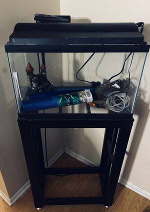 10 gallon fish tank with stand for Sale in Midvale, UT