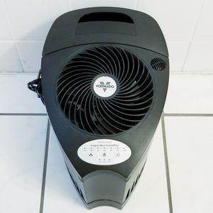Vornado Whole Room Evaporative Humidifier for Sale in Miami, FL