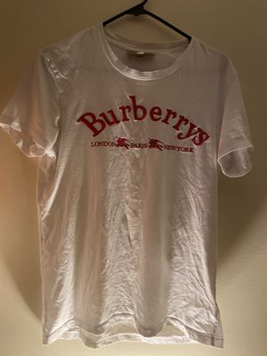 Burberry t-shirt size: s/p pre-own for Sale in Quincy, MA