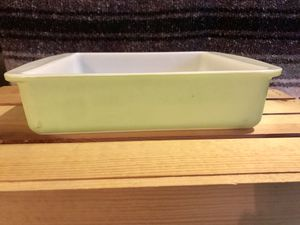 """Pyrex lime green 8"""" baking dish for Sale in Riverside, CA"""