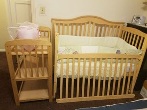 Baby crib and changing table with mattress for Sale in Los Angeles, CA
