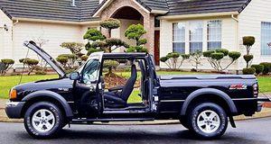 ֆ12OO Ford Ranger 4WD for Sale in Pasadena, CA