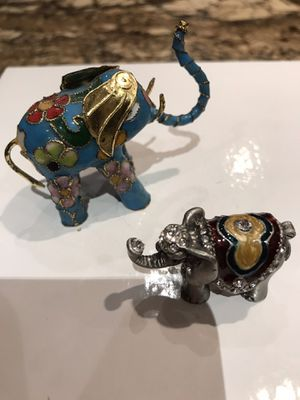 Two small elephants statues for Sale in Tempe, AZ