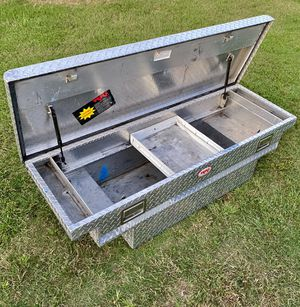 RKI Heavy Duty Low Profile Stair Notches Single Lid Crossover Tool Box (((( $385 OBO )))) ❗️For SMALL Trucks ❗️2 Keys ❗️ for Sale in Riverside, CA