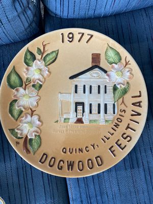 1977 Quincy Dogwood Commemorative Plate for Sale in Quincy, IL