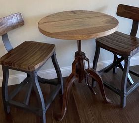 """Industrial Round Pub Table - Cast Iron Adjustable Crank And Two Ink+Ivy Lancaster 26"""" Counter Stool ( FREE DELIVERY 🚚) for Sale in North Las Vegas,  NV"""