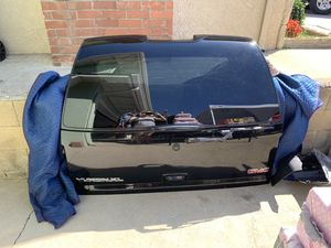 GMC DENALI PARTS for Sale in Riverside, CA