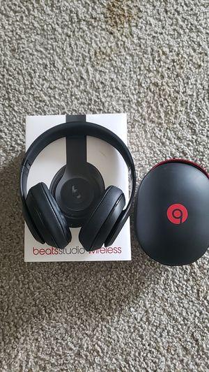 Beats studio wirelss headphones for Sale in Joliet, IL