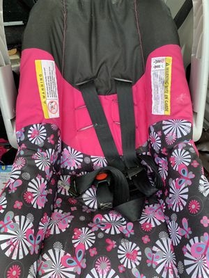 Infant car seat with base for Sale in Tampa, FL