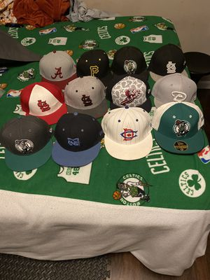 Flat bill hats (separately) for Sale in Ballwin, MO