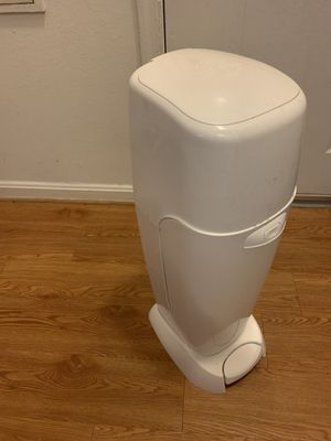 Diaper genie / diaper pail - used once for Sale in Germantown, MD