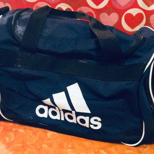 Adidas Sport Duffle Bag $10 for Sale in Moreno Valley, CA