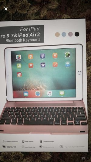 Brand new IPad &iPad Pro Keyboard Case rose pink not included iPad. for Sale in Alexandria, LA