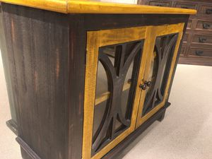 New Console table distressed blk color/pine laquer finish floor sample Highpoint furniture market for Sale in Durham, NC