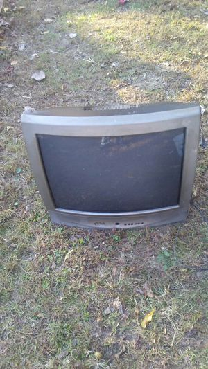 27 inch tv. $5.00 for Sale in Brookport, IL