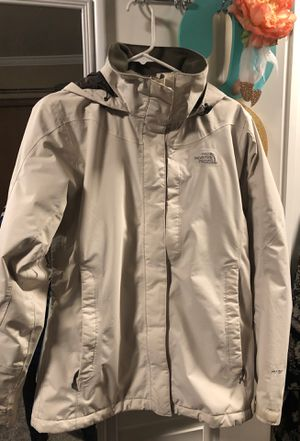 The North face woman jacket size M for Sale in Spokane, WA