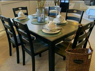 Froshburg Grayish Brown/Black 7-Piece Dining Set ♥️ Table And Chairs for Sale in Round Rock,  TX