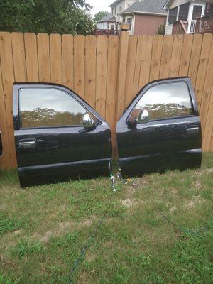 2001 Chevy Tahoe doors. for Sale in Powder Springs, GA