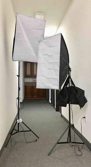 New in box 2 pcs 85 watts soft light softbox photography studio lighting equipment for Sale in Covina, CA