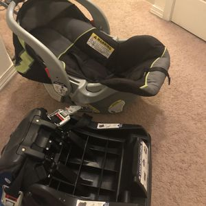 Free Car Seat for Sale in Happy Valley, OR