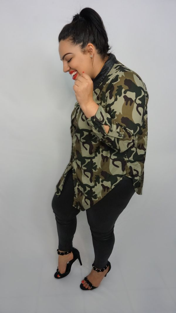 4b5476c5f1bb4 PLUS SIZE Camo print button up top for Sale in Hayward, CA - OfferUp