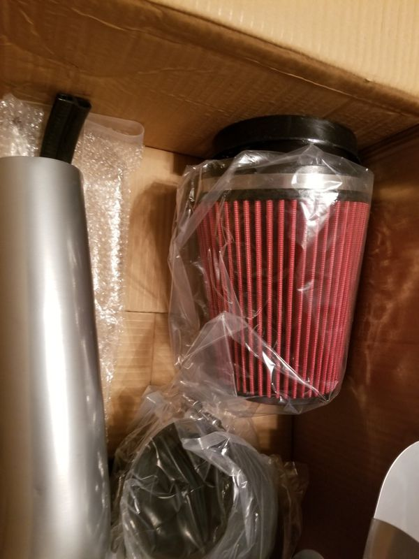 99 to 06 silverado Tahoe Escalade cold air Intake new in the box