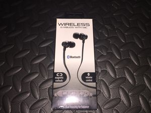 Earbuds with mic for Sale in Philadelphia, PA