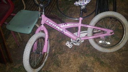 "Trek bike girls' 16"" pink for Sale in Prineville,  OR"