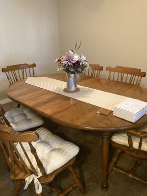 Solid wood extendable kitchen table for Sale in Huntington Beach, CA