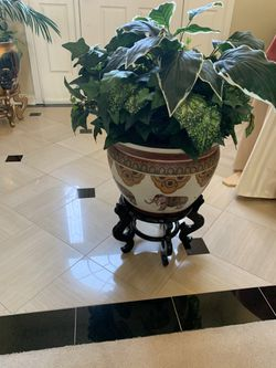 Authentic Plant Holder for Sale in Blacklick,  OH