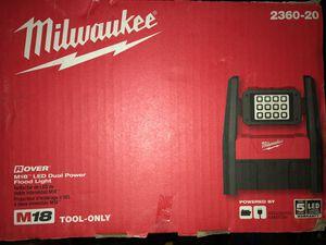 Milwaukee rover flood light for Sale in Skokie, IL