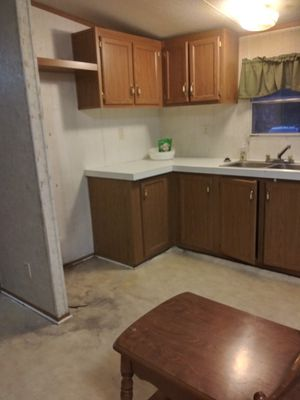 Free kitchen cabinets and bathroom vanities for Sale in Prairie View, TX